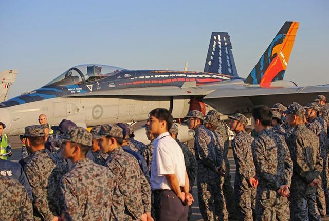 画像2: 国内初 豪空軍と戦闘機訓練|空自千歳基地