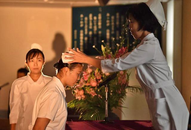 画像1: 准看護師課程学生 戴帽式|自衛隊札幌病院