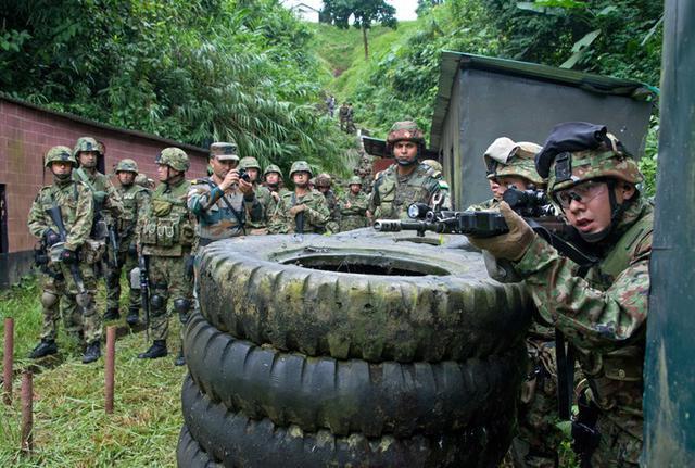 画像2: 対テロ戦術向上 インド陸軍と実動訓練|板妻駐屯地