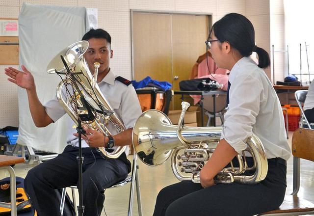 画像1: 陸自12音の楽器指導を支援|新潟地本