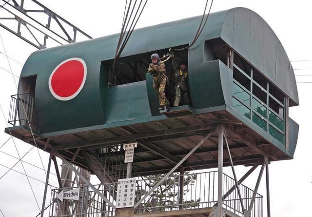 画像2: 1空挺団降下訓練始め 河野防衛大臣も体験|習志野駐屯地