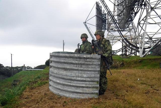 画像2: 陸海空自共同で基地警備訓練|北熊本駐屯地
