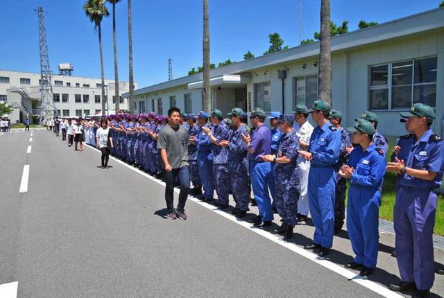 画像6: 中高生がパイロット訓練を体験|海自徳島教育航空群