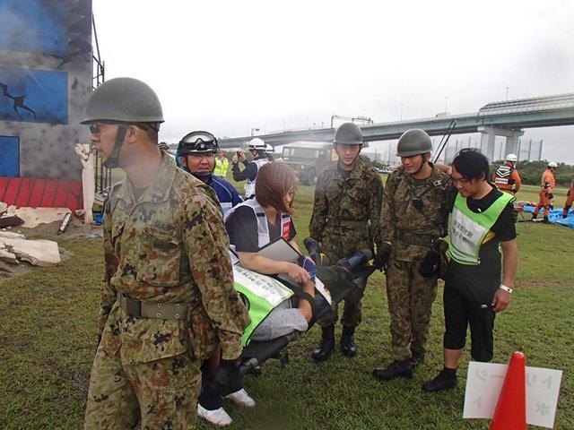 画像1: 総合防災訓練で関係機関と連携|伊丹駐屯地