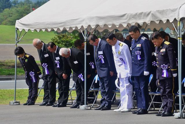 画像3: 御霊の冥福祈る 殉職隊員追悼式|岩手駐屯地