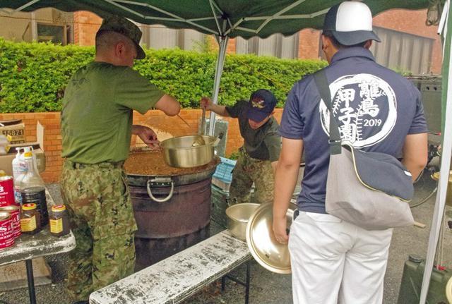 画像6: 離島甲子園でカレー600食振る舞う|対馬警備隊