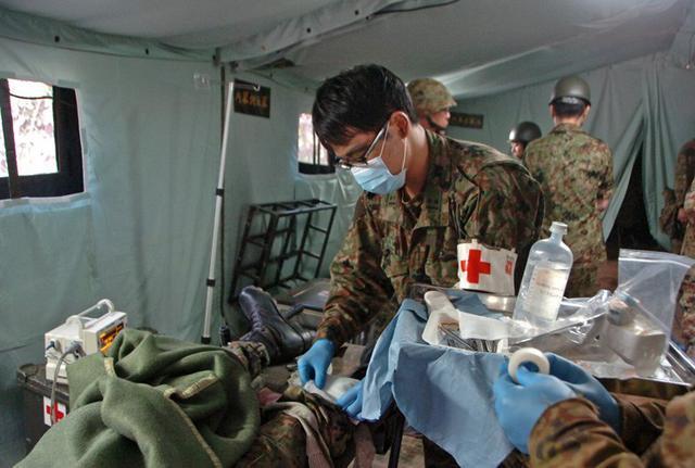 画像3: 野外病院を築城、衛生業務を演練|仙台駐屯地