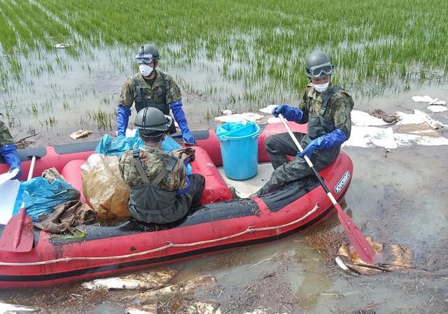 画像4: 佐賀県 豪雨災派に1万人強出動|久留米駐屯地
