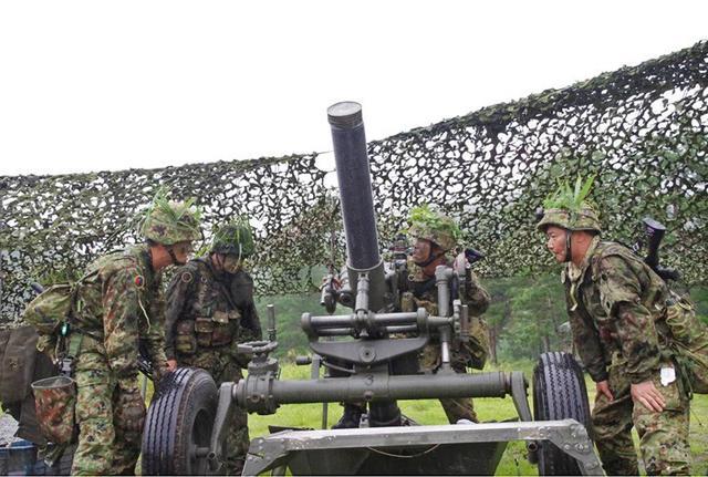 画像5: 実射撃訓練を検閲|海田市駐屯地