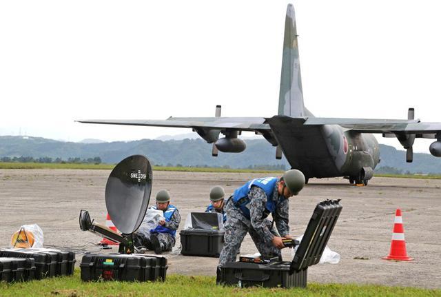 画像1: 被災した飛行場の機能復旧を演練|空自航空支援集団