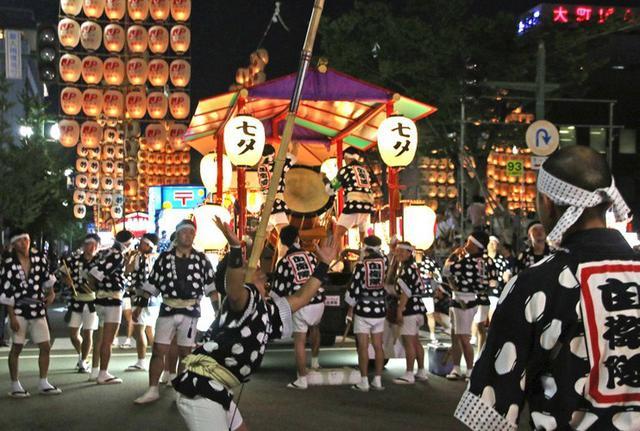 画像5: 「秋田竿燈まつり」で力強く演技|秋田駐屯地