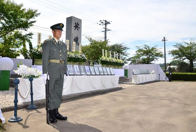 画像2: 御霊の冥福祈る 殉職隊員追悼式|岩手駐屯地
