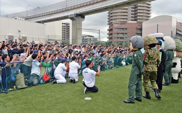 画像2: 自衛隊のゆるキャラ観閲行進に参加|宮崎地本