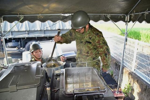 画像7: 佐賀県 豪雨災派に1万人強出動|久留米駐屯地