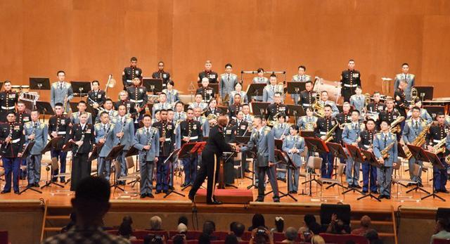画像1: 「友情」テーマに日米コンサート|陸自15旅団