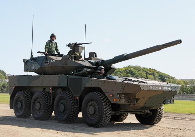 画像6: 河野防衛大臣 部隊視察|陸自11旅団