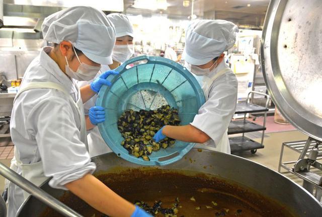 画像4: 短大生の調理実習に協力|仙台駐屯地