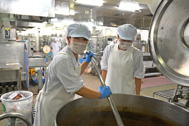 画像3: 短大生の調理実習に協力|仙台駐屯地