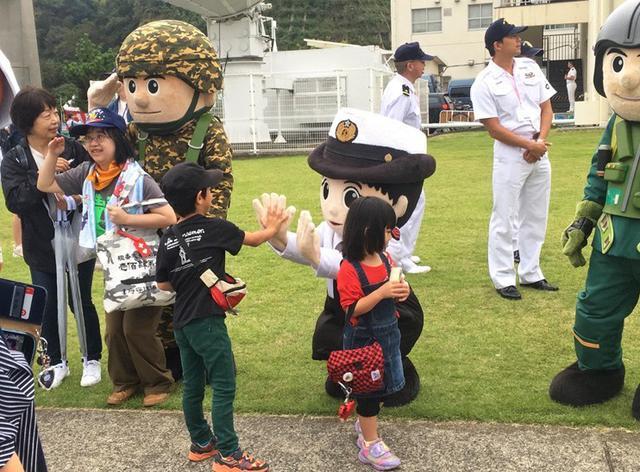 画像4: 自衛隊のゆるキャラ観閲行進に参加|宮崎地本