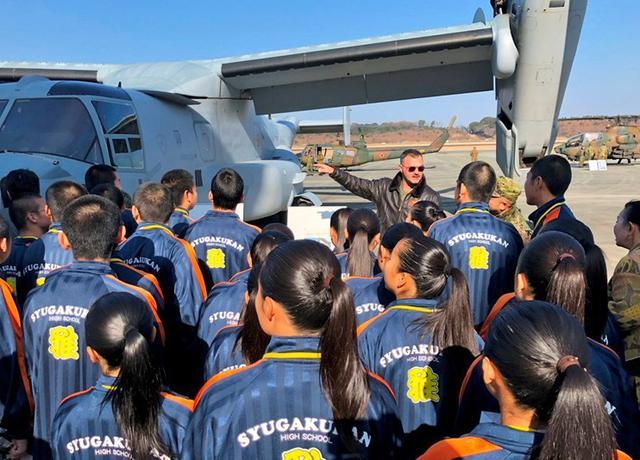 画像1: 高校生ら米軍オスプレイ見学|熊本地本