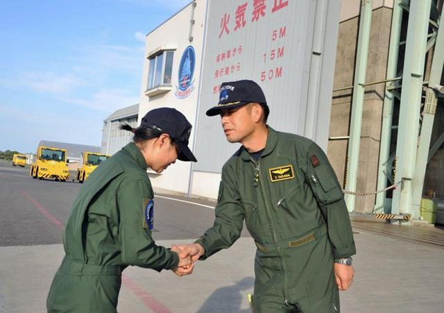 画像3: 2空隊で初のP3C女性機長|海自八戸航空基地