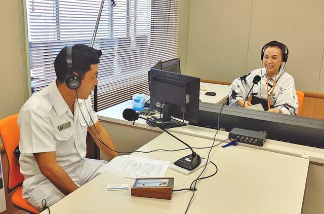 画像2: ラジオで艦艇乗員が海自PR|静岡地本