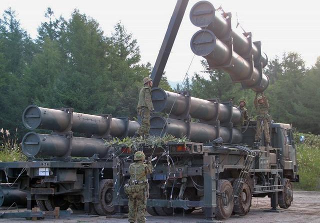 画像1: 地対艦ミサイル訓練を検閲|北千歳駐屯地