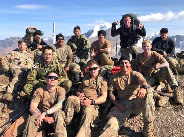 画像9: 米陸軍の上級課程訓練に留学|陸自冬季戦技教育隊