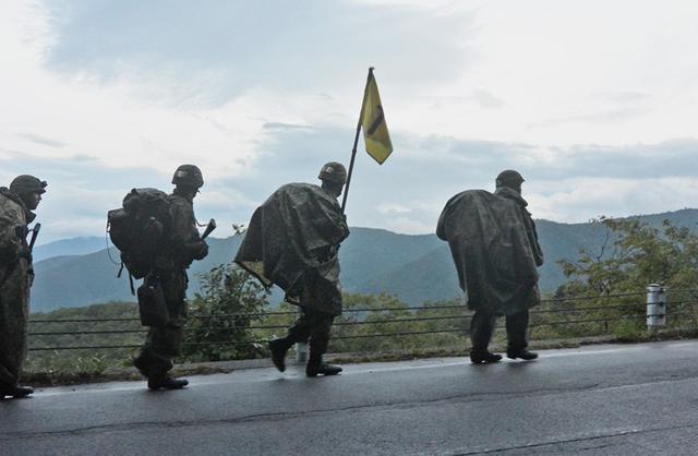 画像1: 新隊員が乗鞍岳で35キロ夜間行進|松本駐屯地