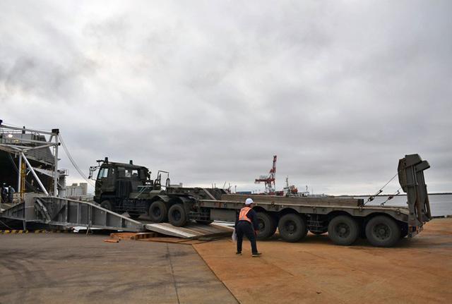 画像5: 釧路市街で初めて戦車機動訓練|陸自7師団