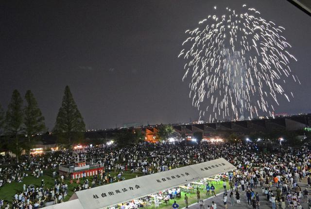 画像1: 駐屯地納涼夏祭りに1万3000人|桂駐屯地
