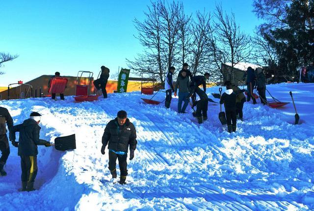 画像1: 曹友会35人 スキー山づくり|美唄駐屯地
