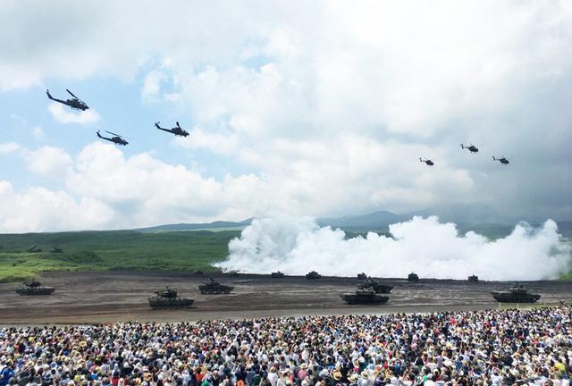 画像1: 多次元統合防衛力構築へ|令和元年度富士総合火力演習