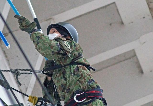 画像8: 「姫路城クリーン作戦」に隊員500人|姫路駐屯地