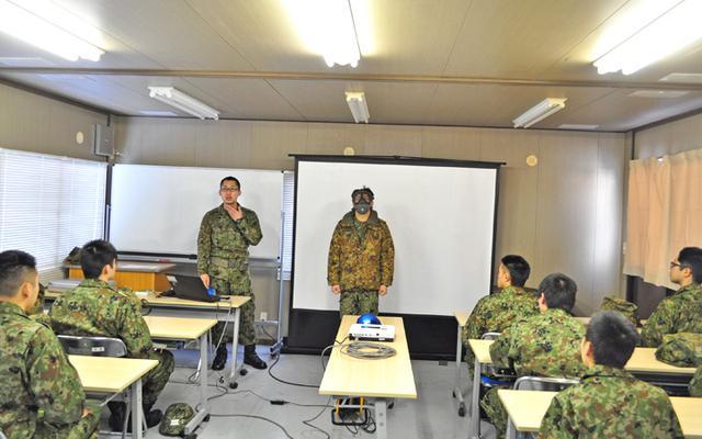 画像2: 自衛官候補生、催涙ガス体験|青森駐屯地