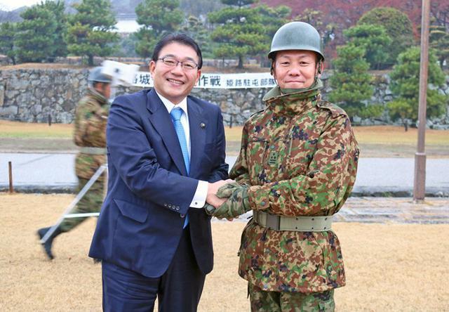 画像9: 「姫路城クリーン作戦」に隊員500人|姫路駐屯地