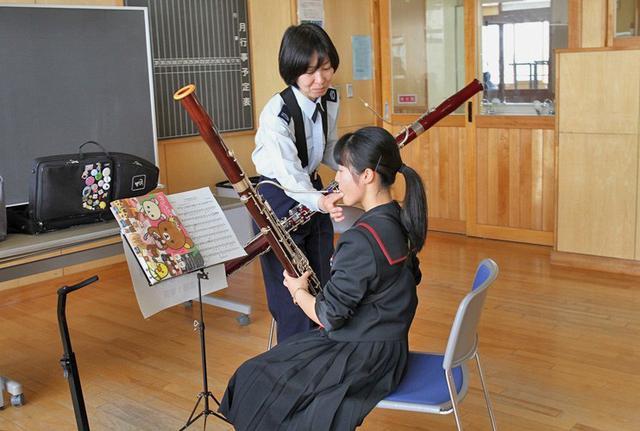 画像2: 北空音が小中高校生に演奏指導|青森地本