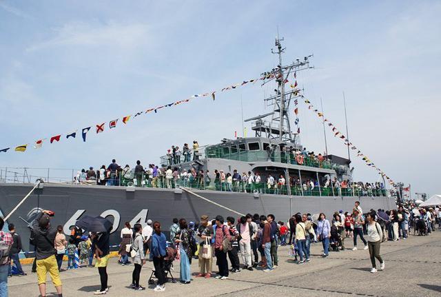 画像1: 大型連休イベントで海自掃海艇公開|静岡地本