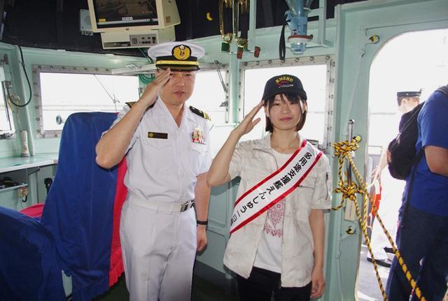 画像3: 潜水艦「うずしお」でガールズトーク|三重地本