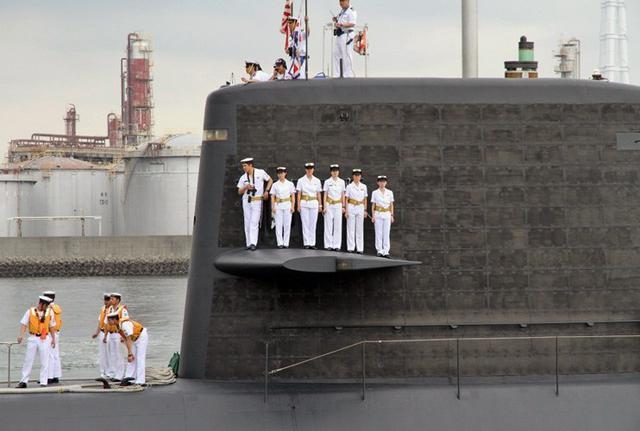 画像5: 潜水艦「うずしお」でガールズトーク|三重地本
