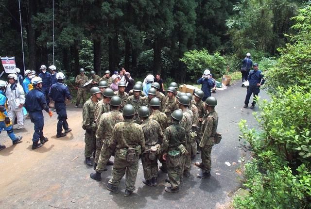 画像2: 九州南部大雨災害に200人出動|国分駐屯地