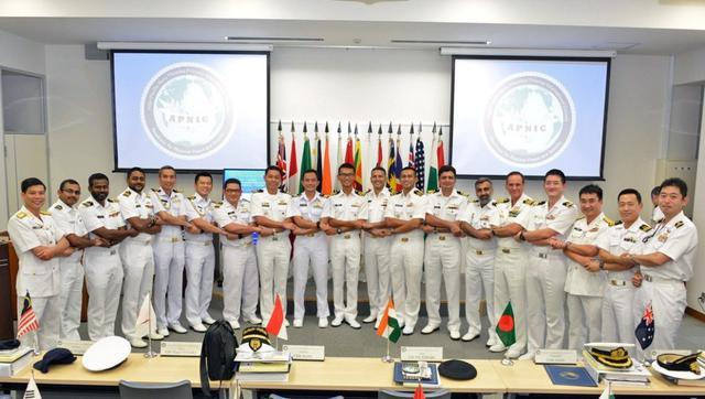 画像: 16カ国士官らの教育支援|海自幹部学校