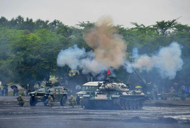 画像4: 東北で唯一の戦車部隊が訓練披露|岩手駐屯地