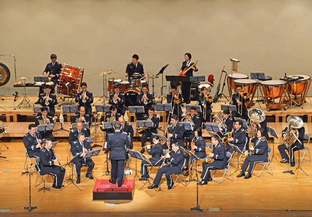 画像1: 基地主催 初コンサートに聴衆800人|空自小松基地