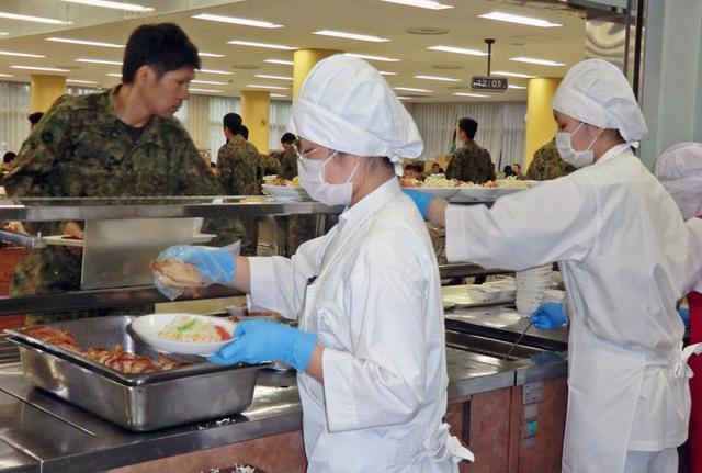 画像1: 大学生の調理実習を支援|大宮駐屯地