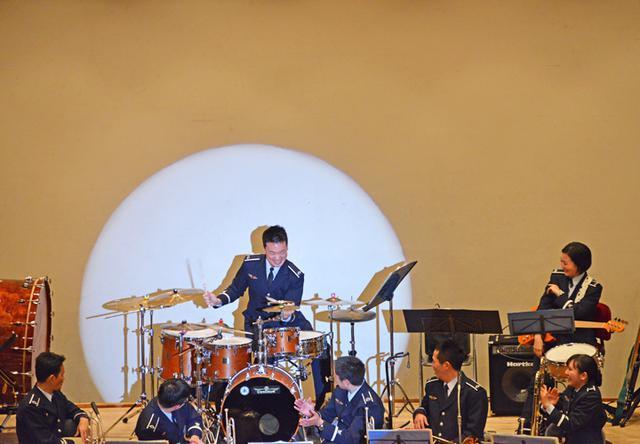 画像7: 基地主催 初コンサートに聴衆800人|空自小松基地