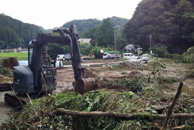 画像6: 九州南部大雨災害に200人出動|国分駐屯地