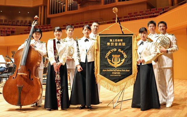 画像1: 歌姫中川3曹、聴衆を魅了|愛知地本