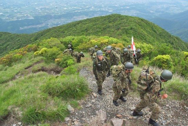 画像2: 自候生49人が高隅山地で機動訓練|国分駐屯地