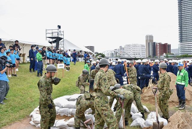 画像1: 水防演習で災害時の連携強化|北熊本駐屯地